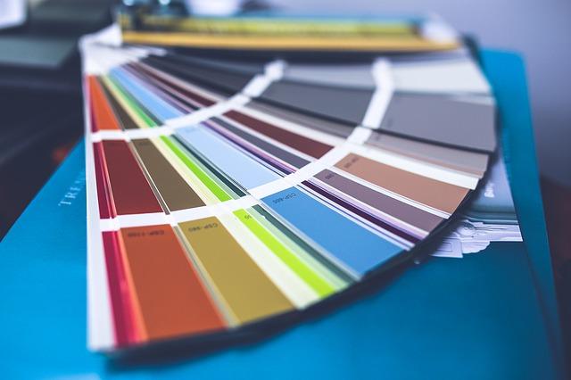 כך תכניסו קצת צבע לקירות הבית