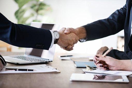 הלוואות לחברות  – כיצד לוקחים הלוואה בצורה חכמה