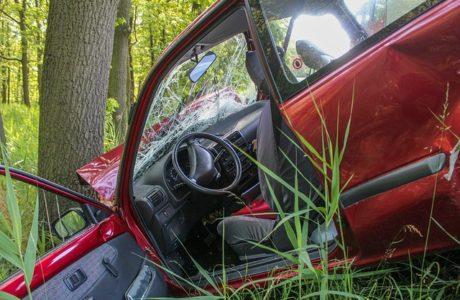 """עברתם תאונת דרכים? אל תעשו כלום לפני שדיברתם עם עו""""ד בתחום"""