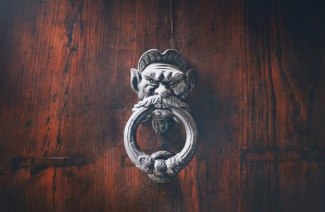 דלתות עץ מלא