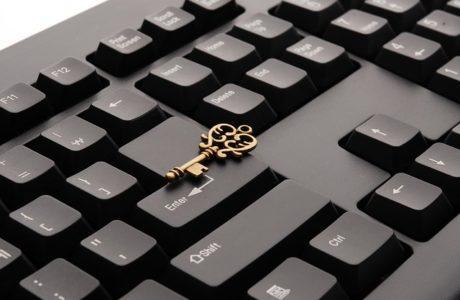 התייעצות עם עורך דין באינטרנט – מתי כדאי?