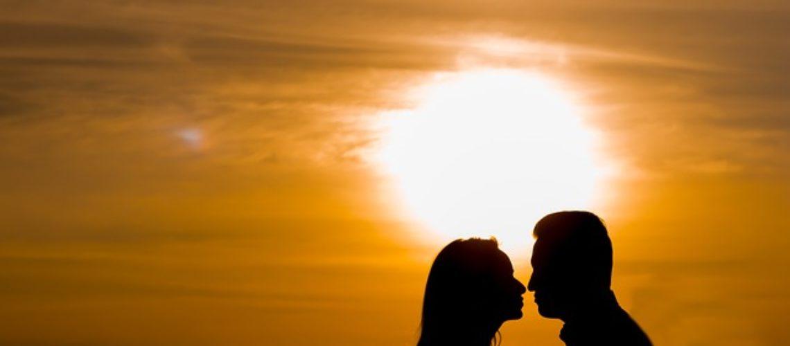 בגידה, אהבה ומה שביניהם