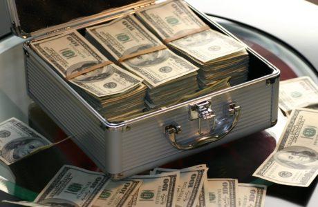 איך עורך דין יוכל להגן עליך מפני תביעות כספיות